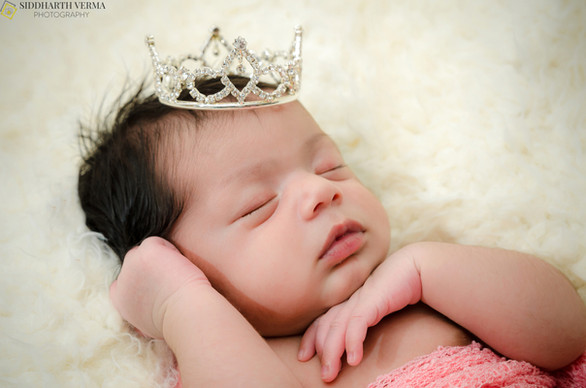 Newborn-Photography-in-Delhi-Noida-Gurgaon.jpg