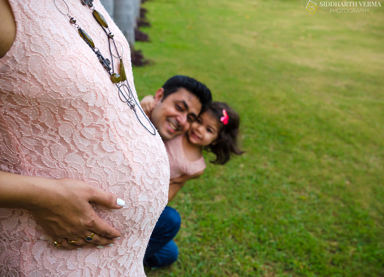 Maternity Photo session in Delhi Noida Gurgaon.jpg