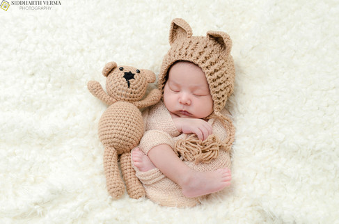 Best newborn photo session at home in Delhi NCR.jpg