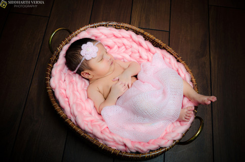 Newborn photographer in Delhi Gurgaon Noida NCR .jpg