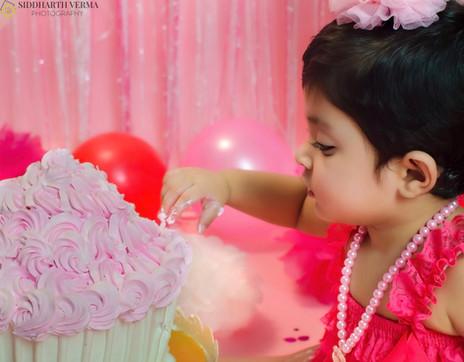 Best Cake Smash photography in Delhi Noida Gurgaon (4).jpg