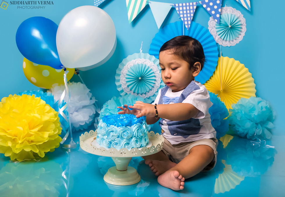 Cake Smash photo shoot in Delhi Noida Gurgaon (3).jpg