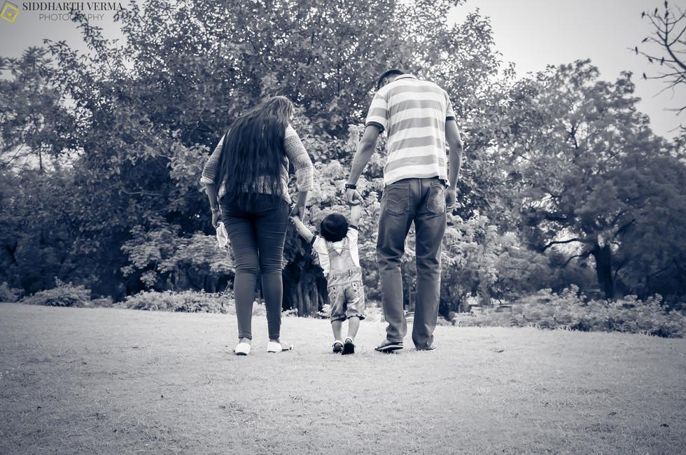 Family Photo shoot in Delhi Noida Gurgaon  (10).jpg