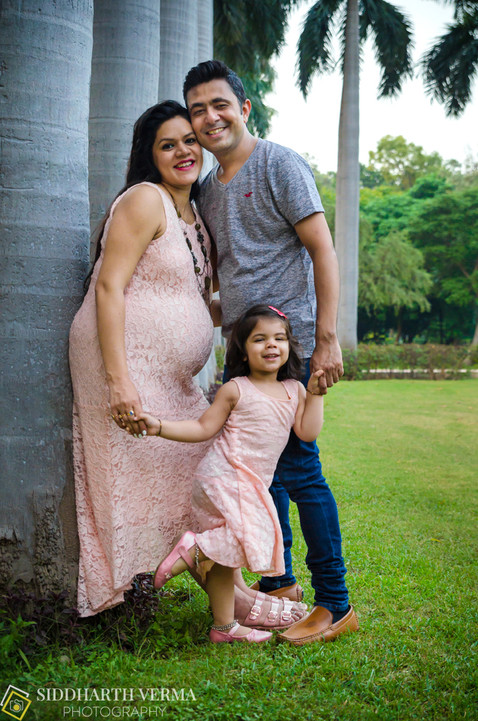 Maternity Photo shoot in Delhi Noida Gurgaon.jpg