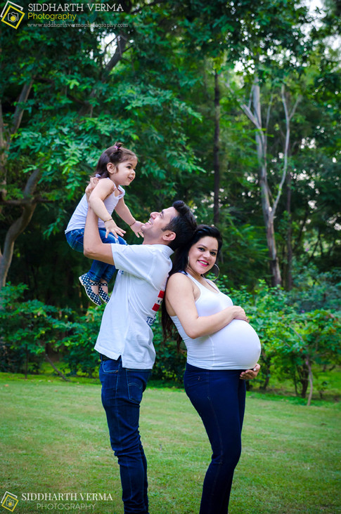 Best Maternity Photographer in Delhi Noida Gurgaon NCR.jpg