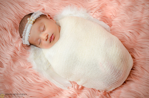 Newborn baby photography in Delhi, Gurgaon, Noida.jpg