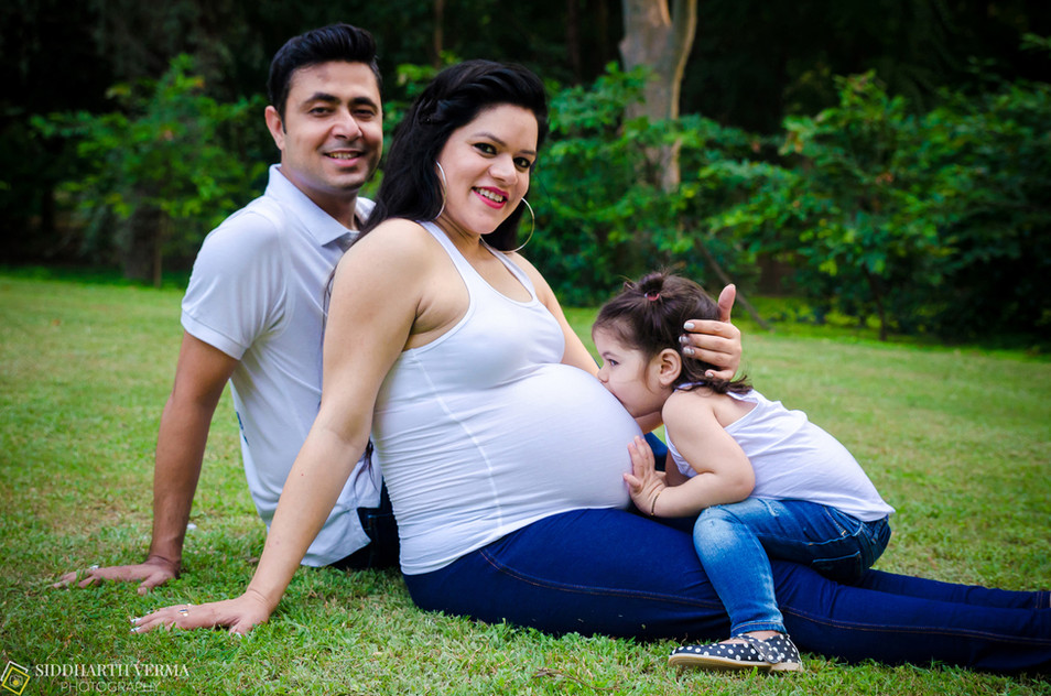 Best Maternity photoshoot in Delhi NCR.jpg