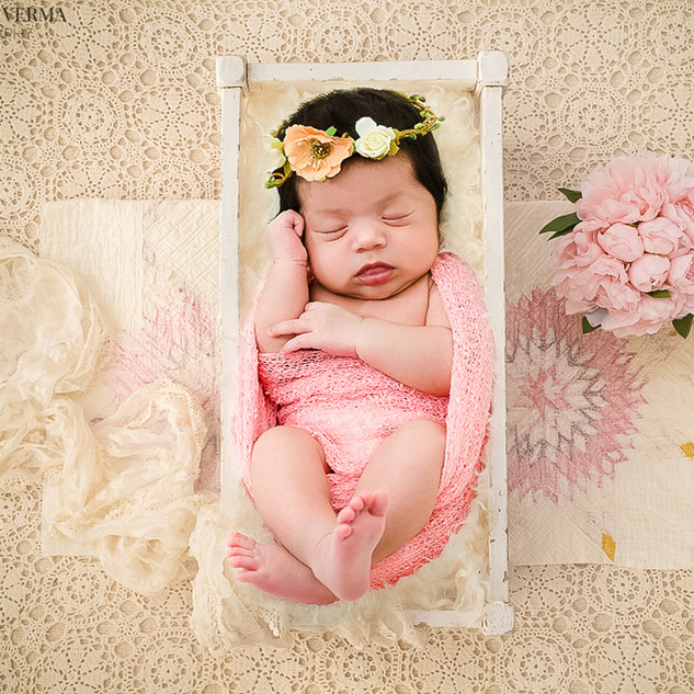 Newborn baby photography in Delhi Noida Gurgaon_.jpg