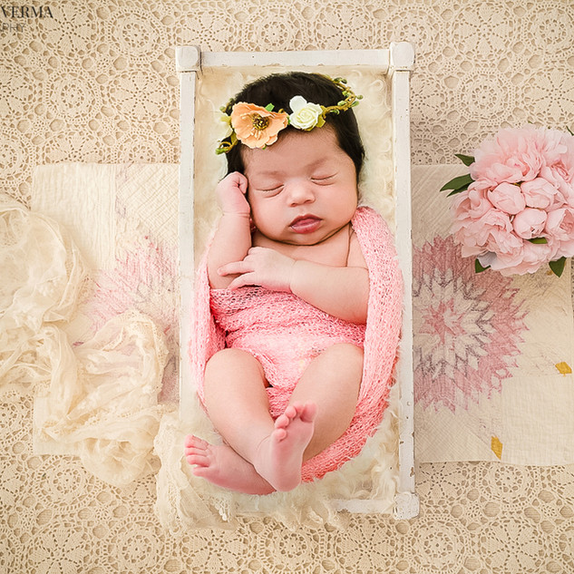 Newborn baby photography in Delhi Noida Gurgaon_.jpg
