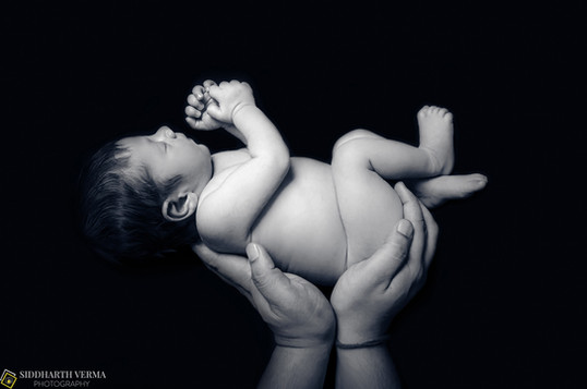 Fine Art Newborn Photography in Delhi Noida Gurgaon NCR.jpg