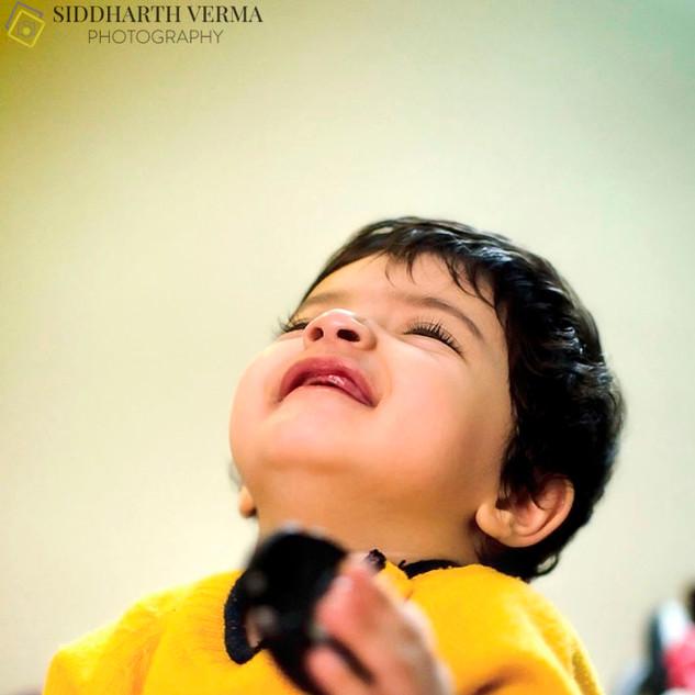 Candid lifestyle baby photography in Delhi Gurgaon Noida.jpg