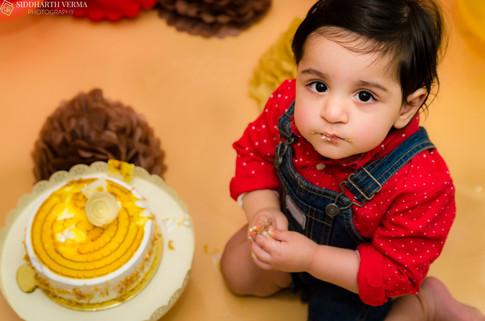 Best Cake Smash photographer in Delhi Noida Gurgaon.jpg