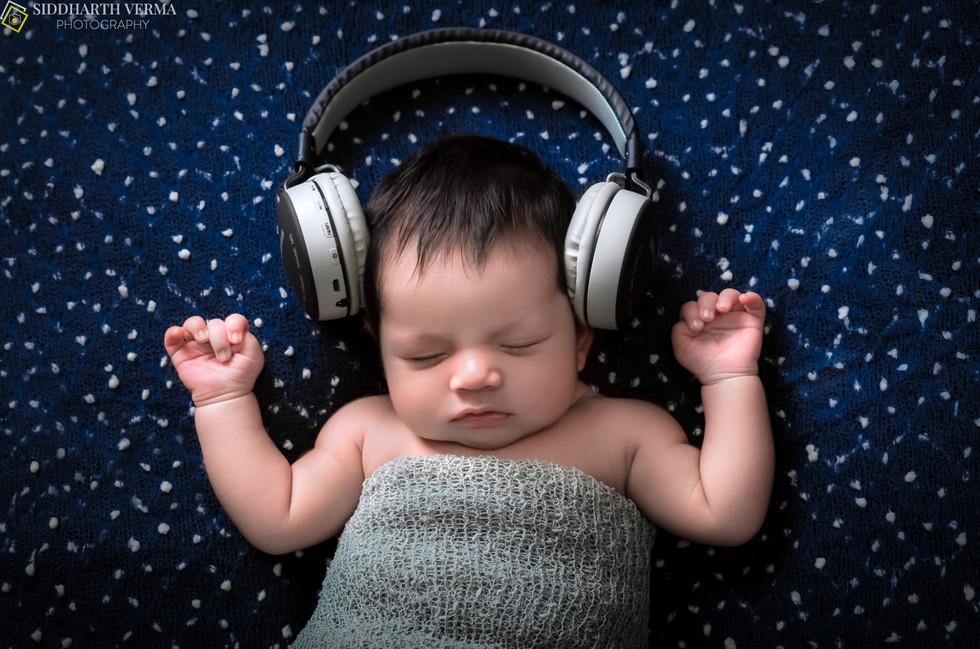 Newborn Photo Shoot in Delhi Noida Gurgaon NCR .jpg