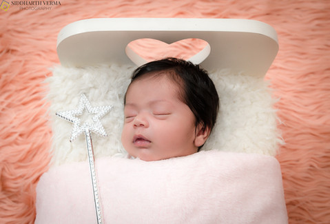 Newborn baby photo shoot in Delhi, Gurgaon, Noida.jpg