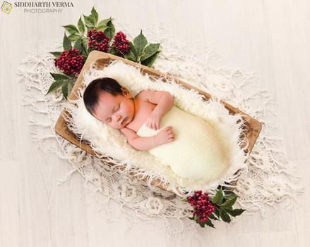 Newborn baby photography in Delhi Noida Gurgaon (4).jpg