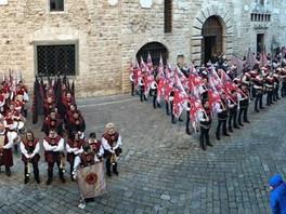 Dal 7 al 10 dicembre a Narni è il Tempo delle Bandiere.              11 gruppi confe