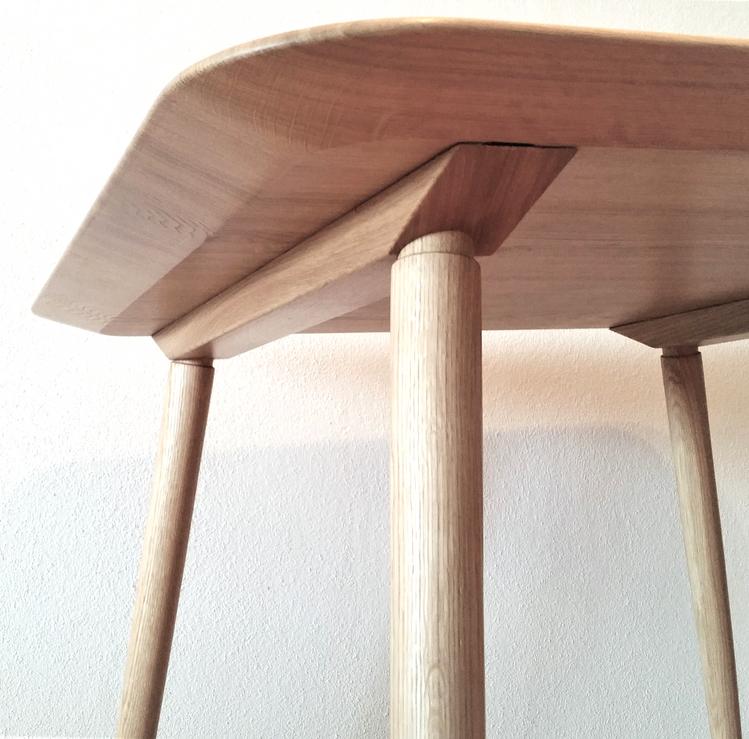 Tisch Schweizer Kante