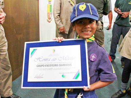 Grupo Escoteiro Guaranis é Homenageado na Câmara