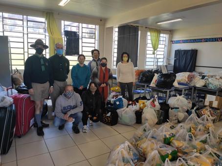 Grupo Escoteiro da Capital realiza arrecadação de roupas e cestas básicas.