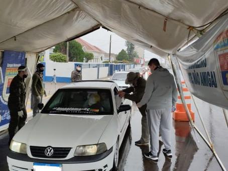 Grupo Escoteiro participa de arrecadação de agasalhos do Exército, em Cruz Alta