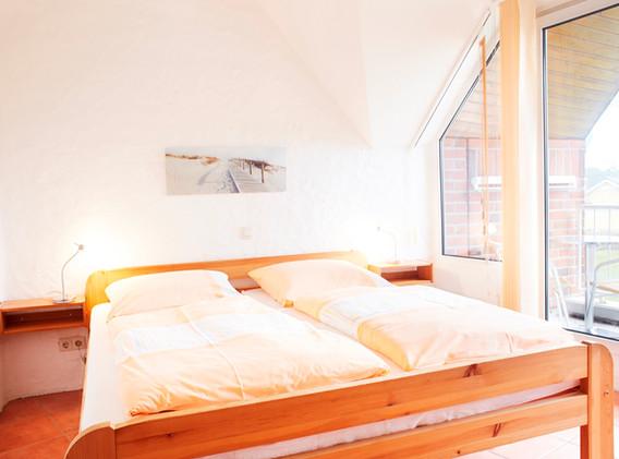 Elternschlafzimmer mit Südbalkon