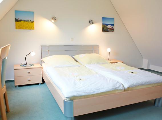 Schlafzimmer Nr.2 im Dachgeschoss