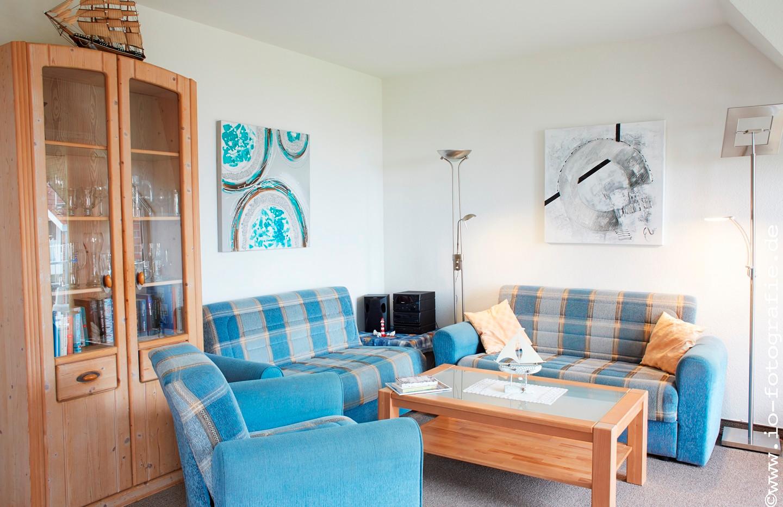Gemütliches Wohnzimmer mit Meerblick