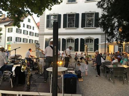 GinoBoys beim Rathaus Frauenfeld, Dämmerschoppen