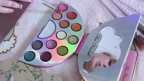 make-up-pallette.jpg