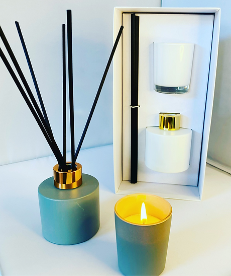 Hermione Rose aromas Candles and diffusers