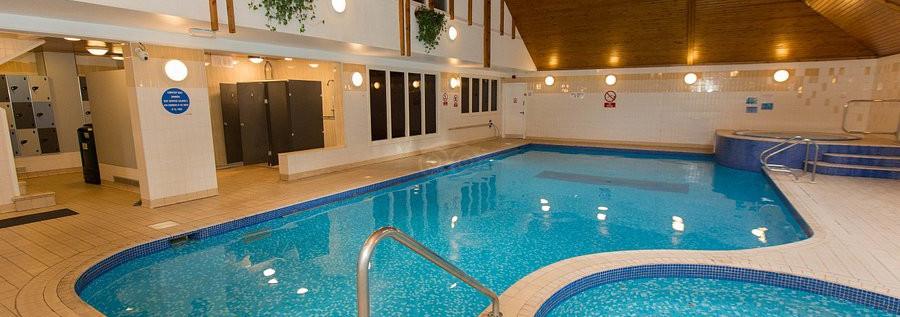 pool--v11948090.jpeg