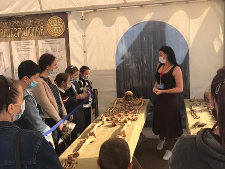 Школьники и студенты посетили Фестиваль археологии и реконструкции «Укек»