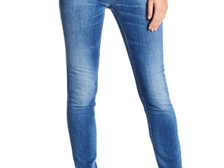 Buy-of-the-Week: Faded Jeans