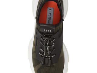 Buy-of-the-Week: Steve Madden Sneaker
