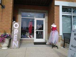 Local Boutique Spotlight:  Style Niche