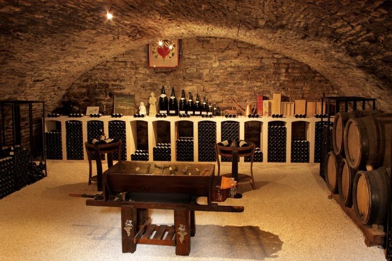 Cave à Nuits-Saint-Georges