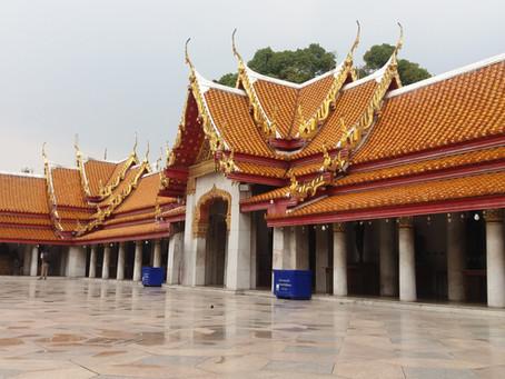 SUDESTE ASIÁTICO 3º Dia - Domingo em Bangkok observando as homenagens ao Rei (06/11/2016)