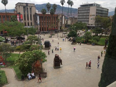 COLÔMBIA 9º Dia - Conhecendo o centro de Medellín (02/05/2017)