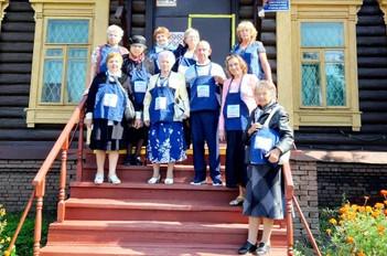 Поездка участников клуба «Активное долголетие» в г. Павловский Посад