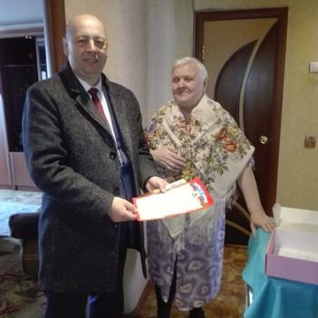 Поздравили жительницу деревни Топканово Калугину Раису Александровну с 80-летием