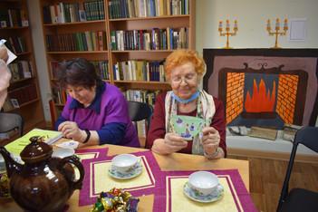 Историю чайной чашки рассказали в Библиотеке семейного чтения