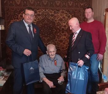 Депутат Мособлдумы Андрей Голубев поздравил с Днём Победы труженика тыла Михаила Ивановича Горбунова