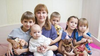 Начиная с 2021 года, мамы, имеющие четырех детей, могут выйти на пенсию досрочно