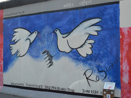 Berlin Wall in pictures in '19 (The 30 Year Anniversary of its Destruction)