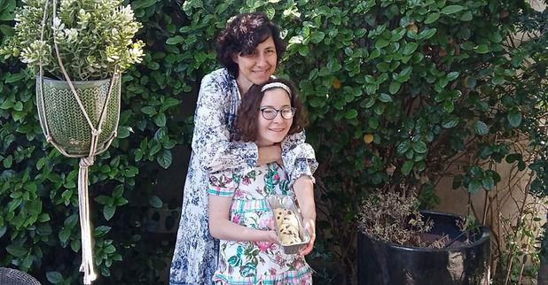 רוני ברנע ואמה לוסיה.jpg