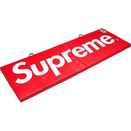 Supreme®/Everlast® Folding Exercise Mat