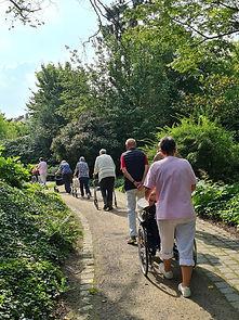 Spaziergang_Bot_Garten.jpg