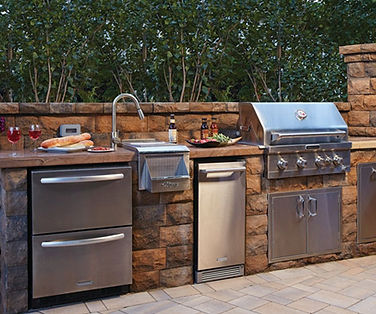 outdoor kitchen companies