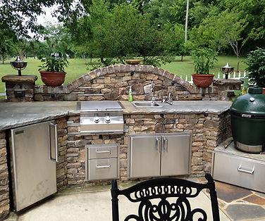 professional outdoor kitchen contractors