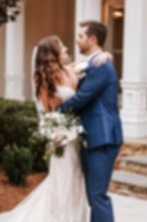 bride and groom, bridal bouquet